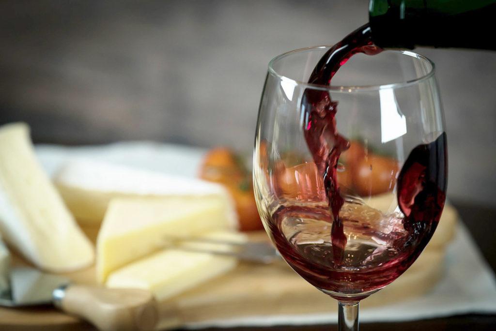 Родосское вино, сувенир с острова Родос